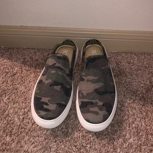 Shoes - Camo slip on sneakers